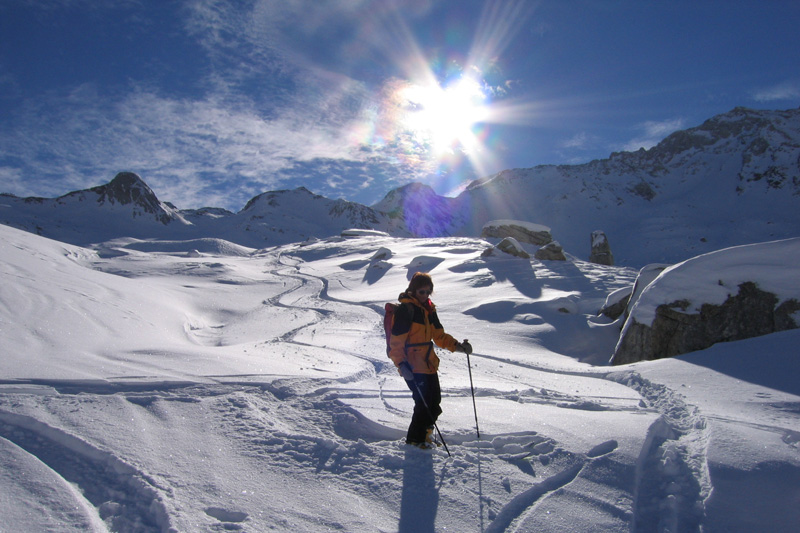 Winterwandern im Tiefschnee