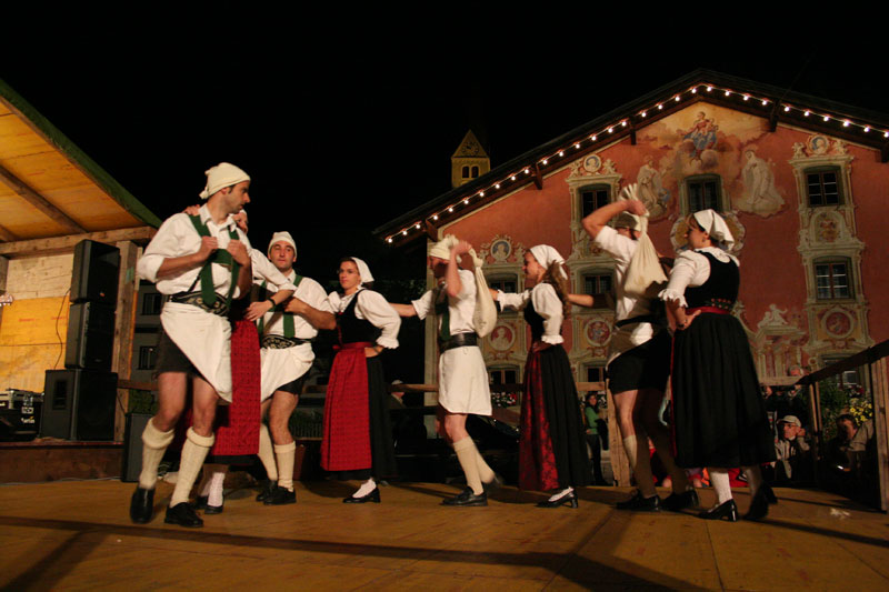 Traditionelles Dorffest in Holzgau