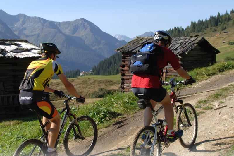 Biken in Kappl