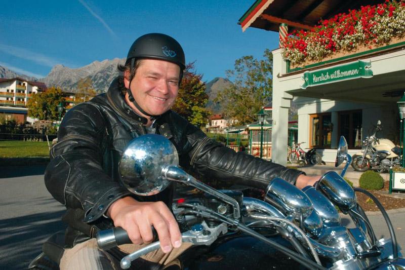 Pertisau am Achensee eignet sich perfekt als Ausgangspunkt für viele Motorradtouren