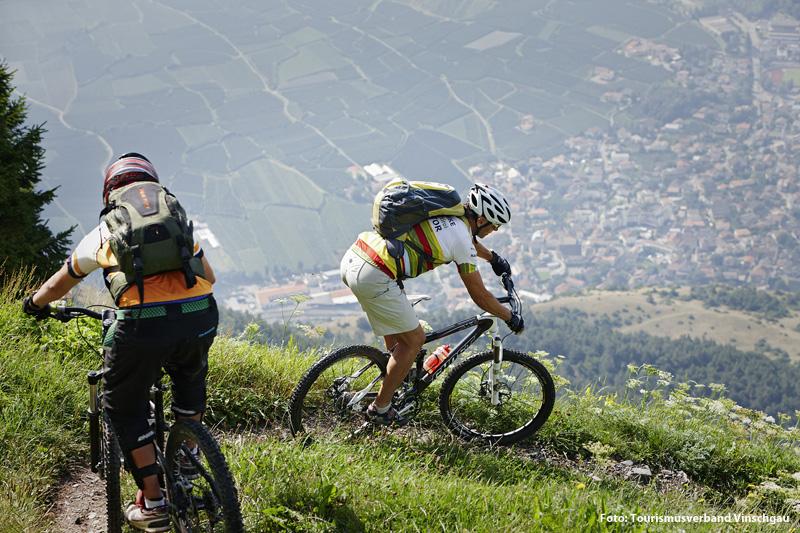 Mountainbiken hoch über Latsch