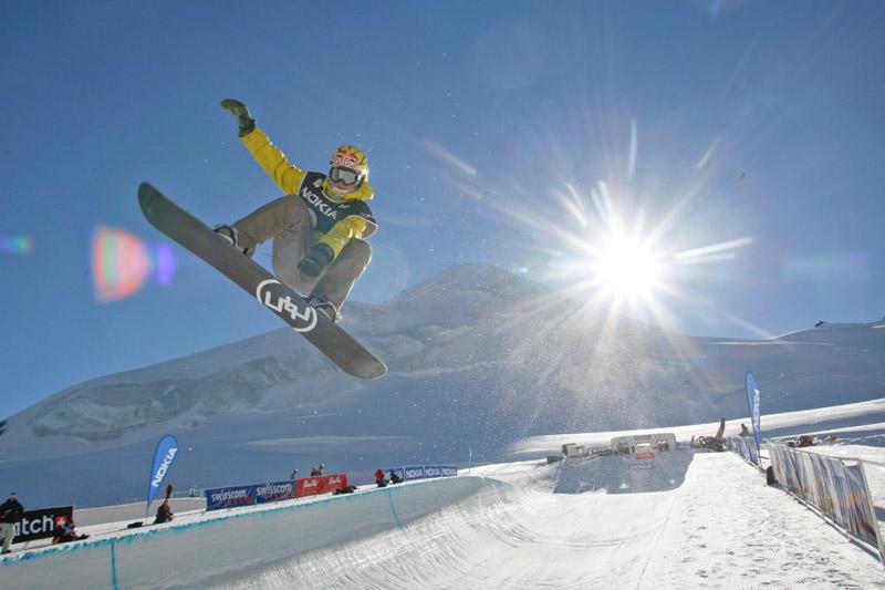 Snowboarden im Freestyle Park Saas-Fee