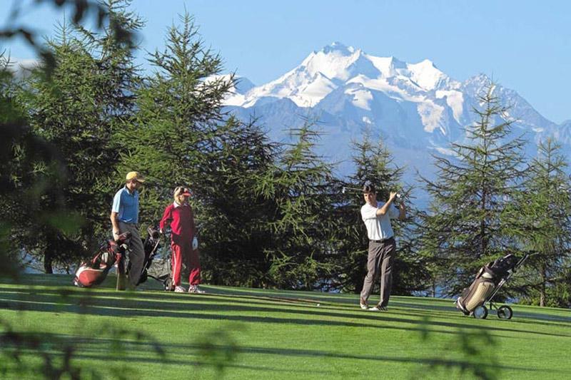 Golfurlaub im Hotel Bristol - 2 Minuten zum Alpin Golf Platz (9 Loch)