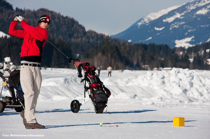 Eisgolfen auf dem Weissensee in Kärnten