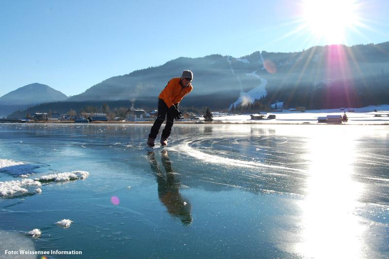Eislaufen auf dem Weissensee in Kärnten