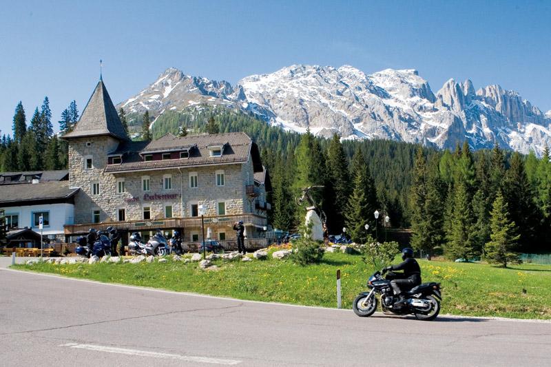 Castel Latemar Sommerurlaub Motorradhotel