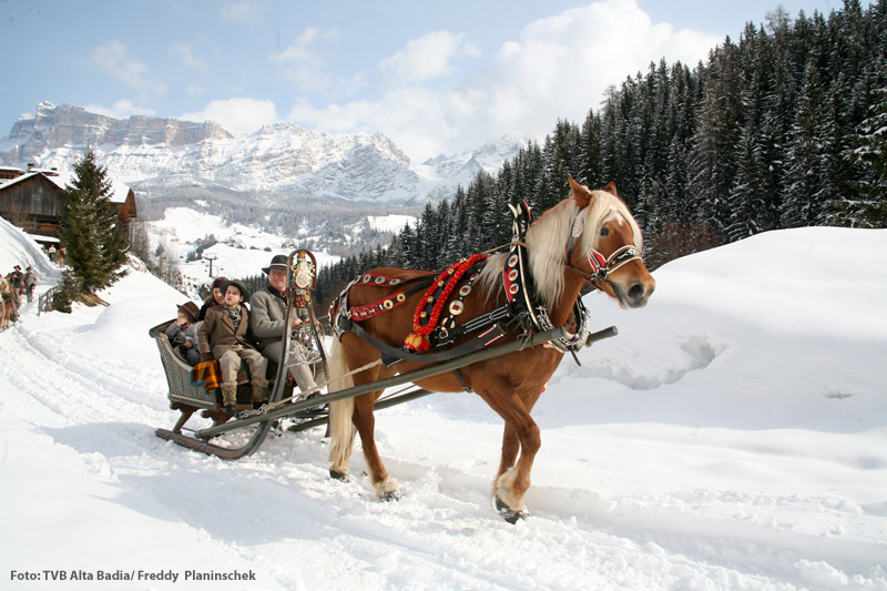Schlittenfahrt durch die Dolomiten