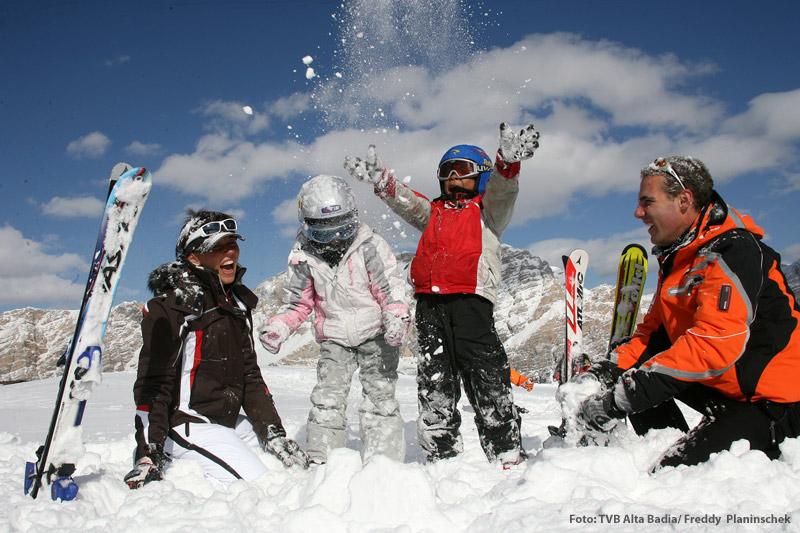Familienwinterurlaub mit Hotel-Shuttleservice zur Skischule