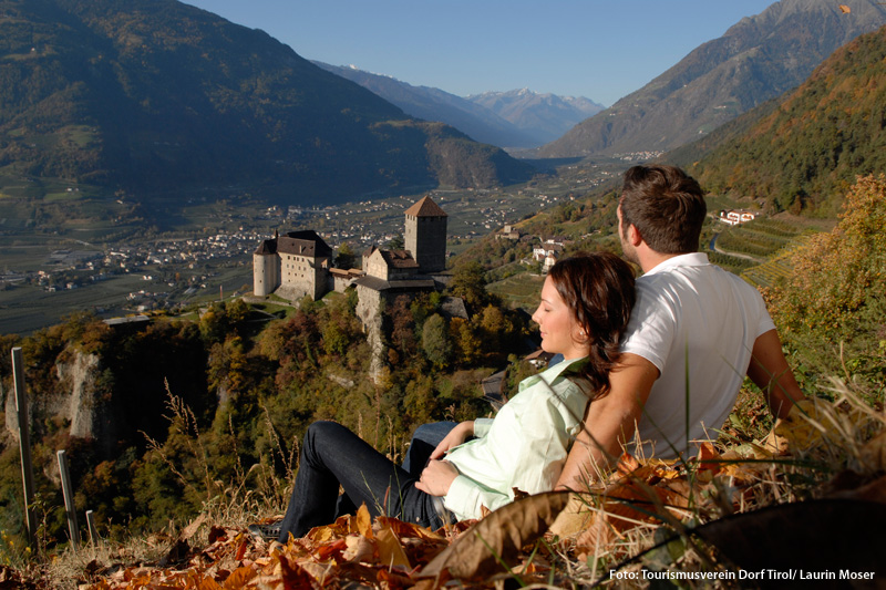 Goldener Herbst in Dorf Tirol