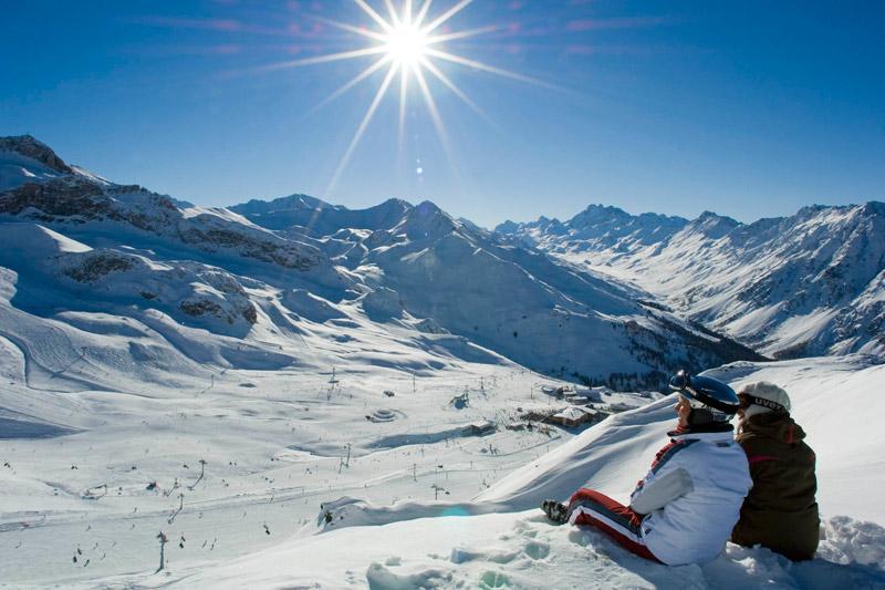 Sonnenskilauf von Österreich in die Schweiz