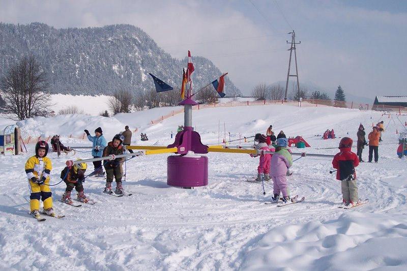 Kinderskischule in Walchsee im Kaiserwinkl in Tirol
