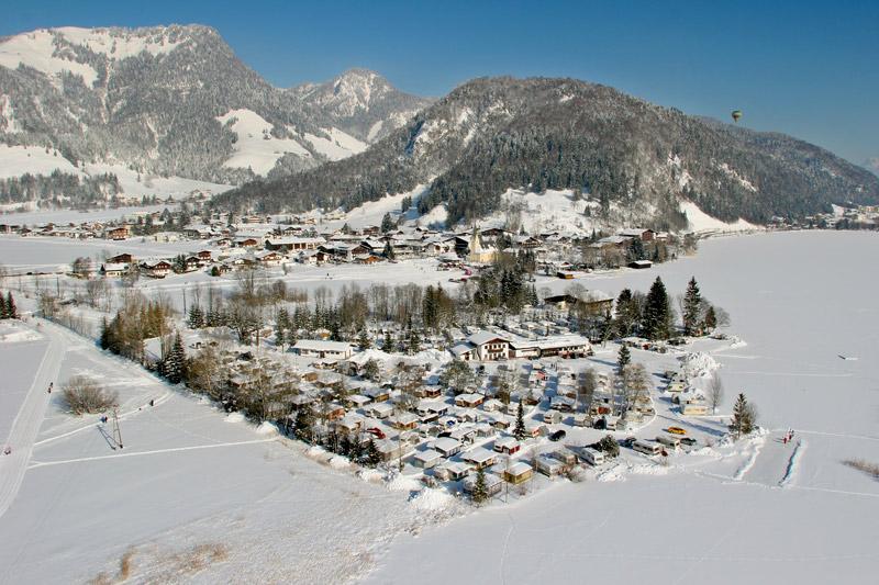 Wintercamping am Walchsee in Tirol