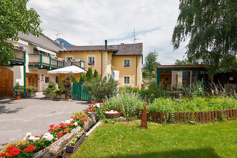 Sommerurlaub im 4-Blumen Obstbauernhof Fohlenhof