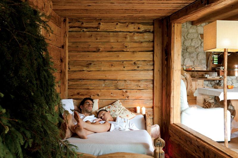 Die Gradieranlage im Naturhotel Lüsnerhof in Südtirol ist eine Wohltat für die Atemwege. Das Inhalieren der freigewordenen Essenzen aus Bergsole und Fichte ist nicht nur gesund, sondern auch ein idealer Relax nach dem Solebad