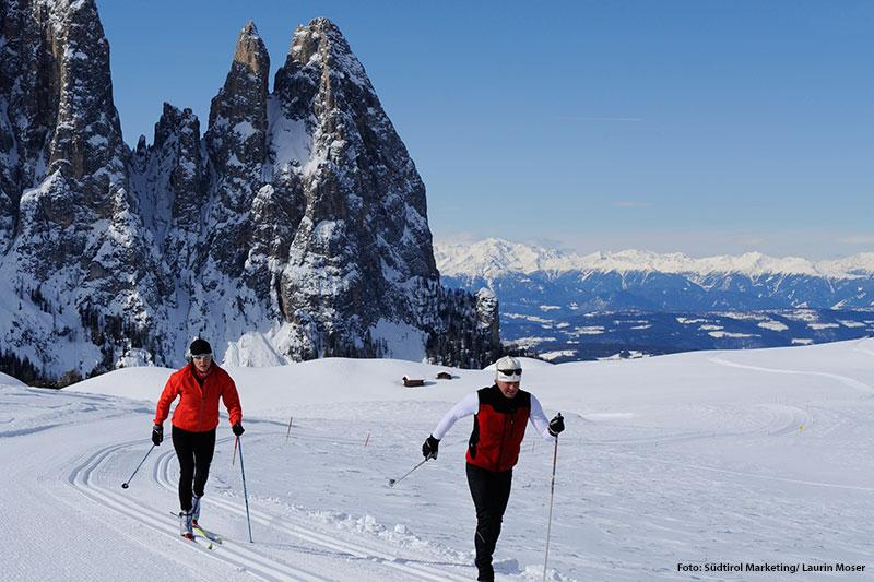 Ein Klassiker im Winterurlaub in Südtirol: Langlaufen auf der Seiser Alm inden Dolomiten. Vom Hotel Stephanshof ist die Seiser Alm ca. 30 Minuten entfernt