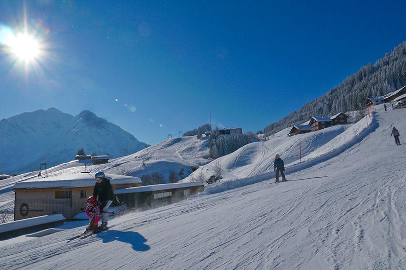 Perfekte Piste zum Skifahren im Kleinwalsertal