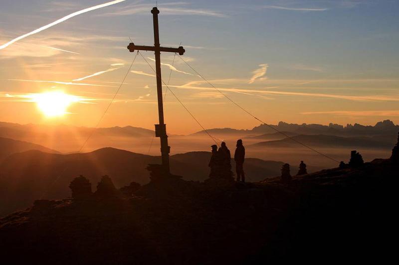 Alphotel-Tyrol-Sonnenaufgang
