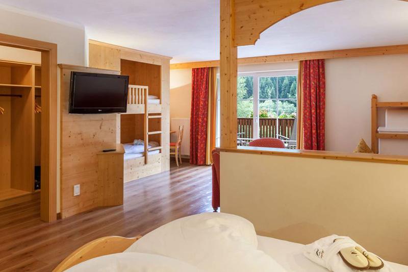 AlphotelTyrol-Alpi-Suite