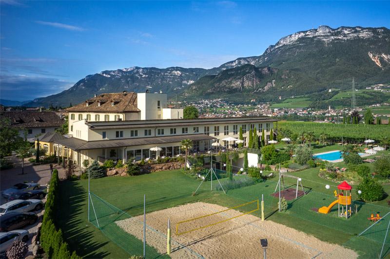 Sommerurlaub im Hotel Mandelhof an der Südtiroler Weinstraße