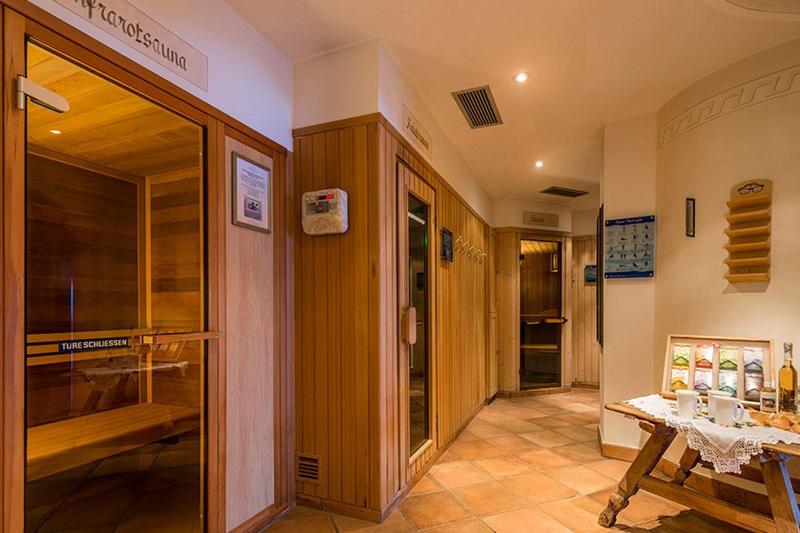 Saunawelt: Kräuter Sauna, Finnische Sauna, Dampfbad, Infrarotkabine