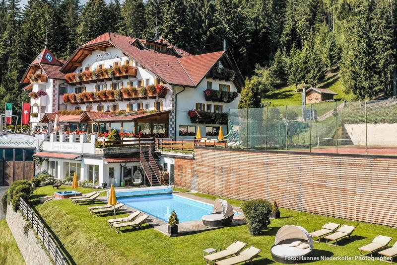 Sommerurlaub im Granpanorama Hotel Sambergerhof in Villanders
