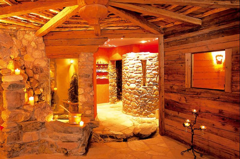 Auch im Saunabereich des Lüsnerhofs wurde viel heimisches Holz verarbeitet