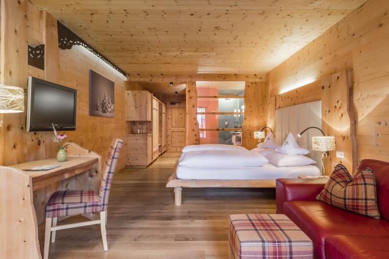 Zirmsuite 44m² im Hotel Lüsnerhof bei Brixen in Südtirol