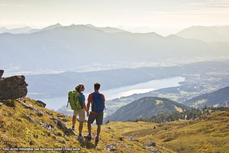 Alexanderhof-Wanderer-Bergberuehrungen