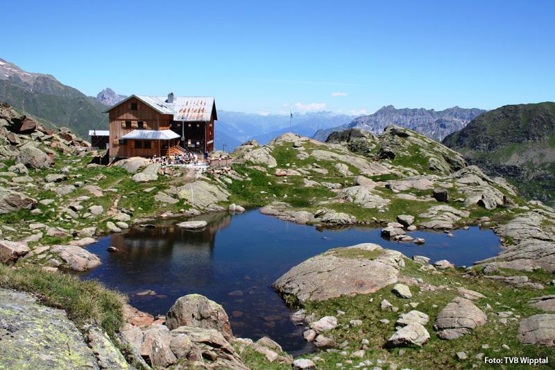 Bergtour zur Bremer Hütte am Ende des Gschnitztals