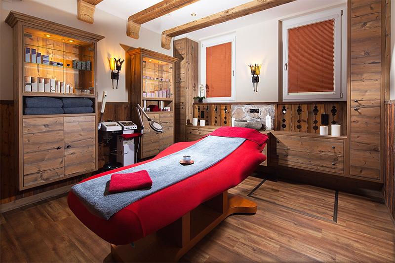 Massagen, Anwendungen & Beauty
