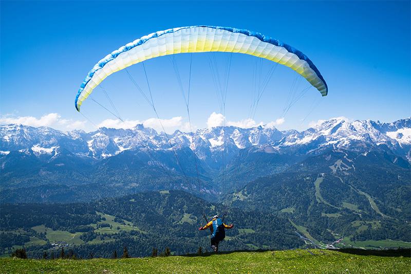 Paragliding/ Gleitschirm-Fliegen kannst Du unter anderem vom Jenner