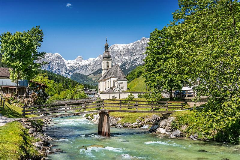 Bergsteigerdorf Ramsau im Nationalpark Berchtesgaden am Fuß des Watzmann