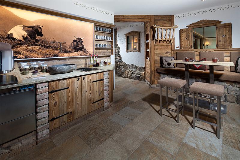 Saunabereich mit Teebar