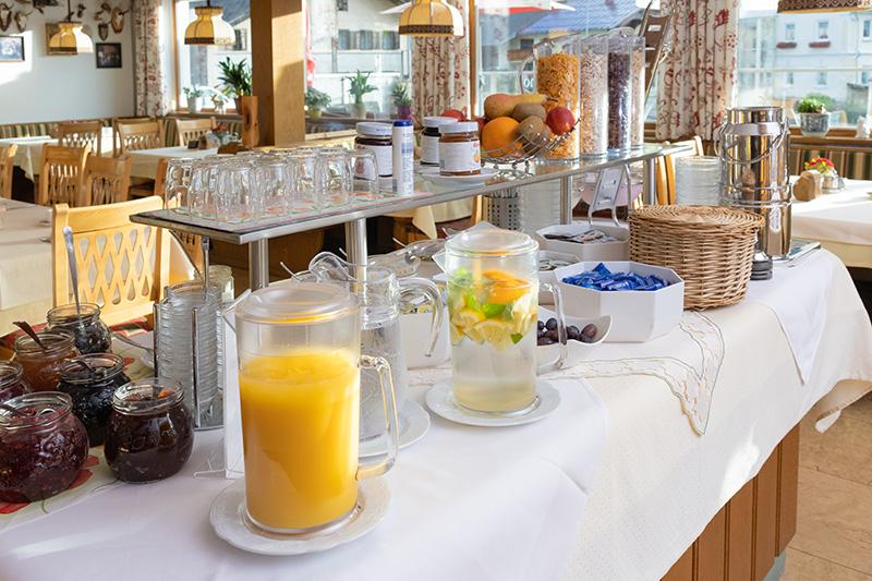 Morgens startest Du mit einem leckeren Frühstück in den Tag