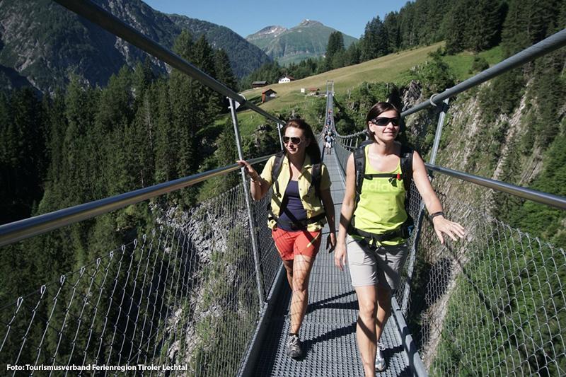 """Die Hängebrücke liegt auf der Route des neuen """"Lechweges"""" –ein Weitwanderweg über 125 km"""