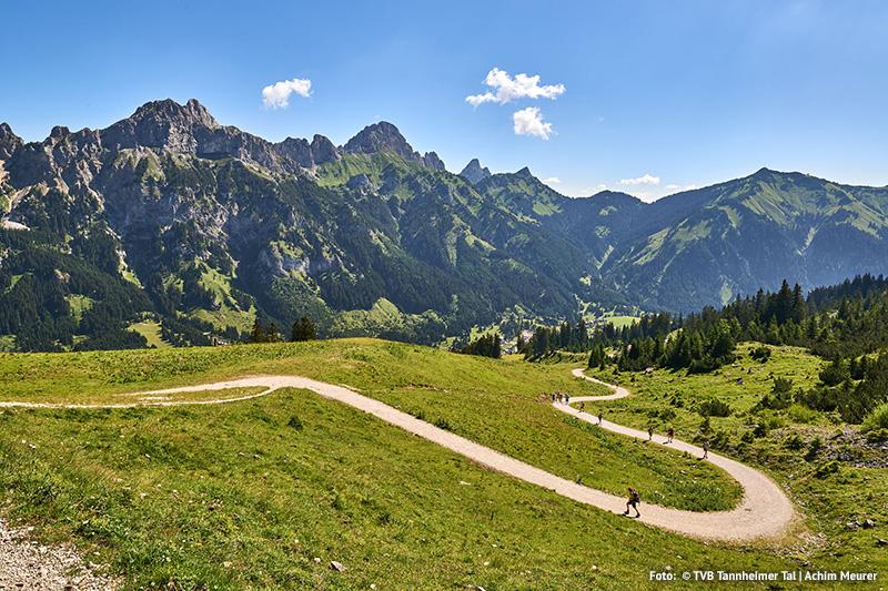 Das Tiroler Hochtal auf 1.100 Höhenmetern ist auch für den Trailrun ideal