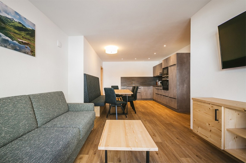 Ferienwohnung für bis zu 8 Personen - Wohn- und Essbereich mit Küche
