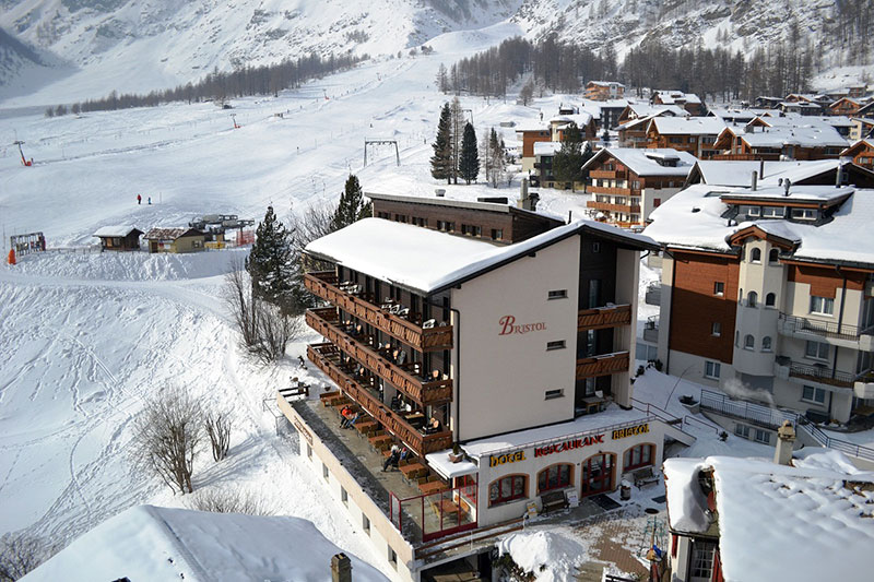 Ski-in & Ski-out Hotel Bristol in Saas-Fee