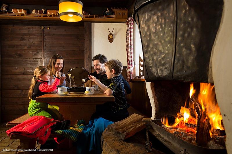 Mit der Familie in der warmen Hütte - Ottenalm im Kaiserwinkl