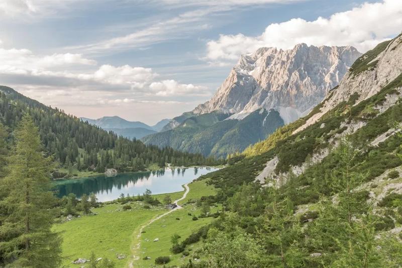 Wandern am Seebensee und das atemberaubende Panorama genießen