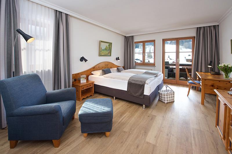 60 exklusive, im Landhausstil eingerichtete Zimmer und Suiten