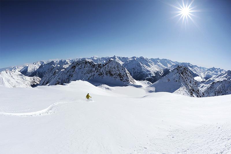 Tiefschnee-Skifahren mit Obergurgl-Panorama