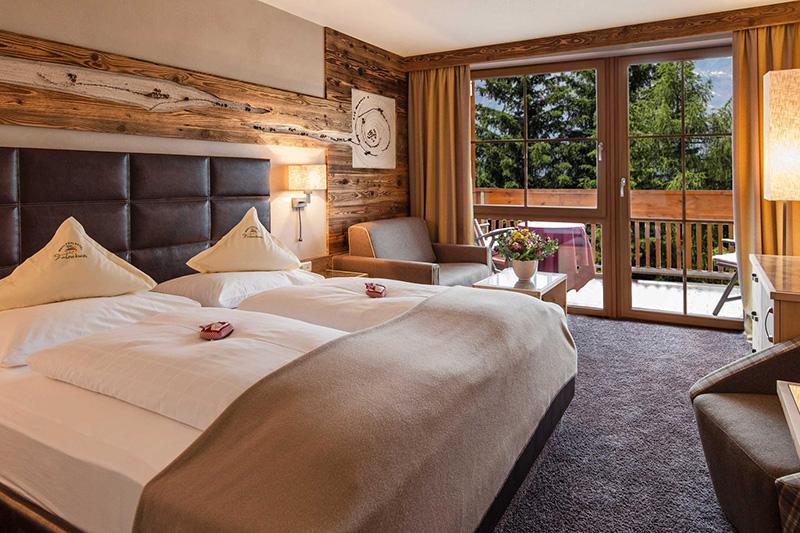 Wohlfühlzimmer Larchwaldele 26 - 28 m² im Wohlfühlhotel Falzeben im Meraner Land in Südtirol