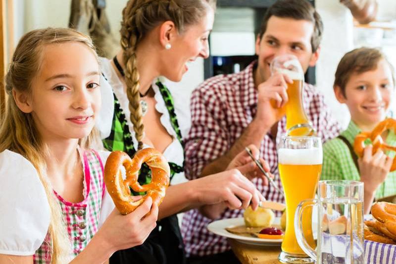 Allgäuer Buffet mit schwäbischen und bayerischen Leckereien