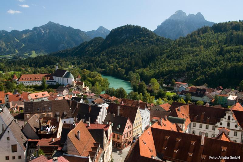 Blick über die historische Altstadt von Füssen