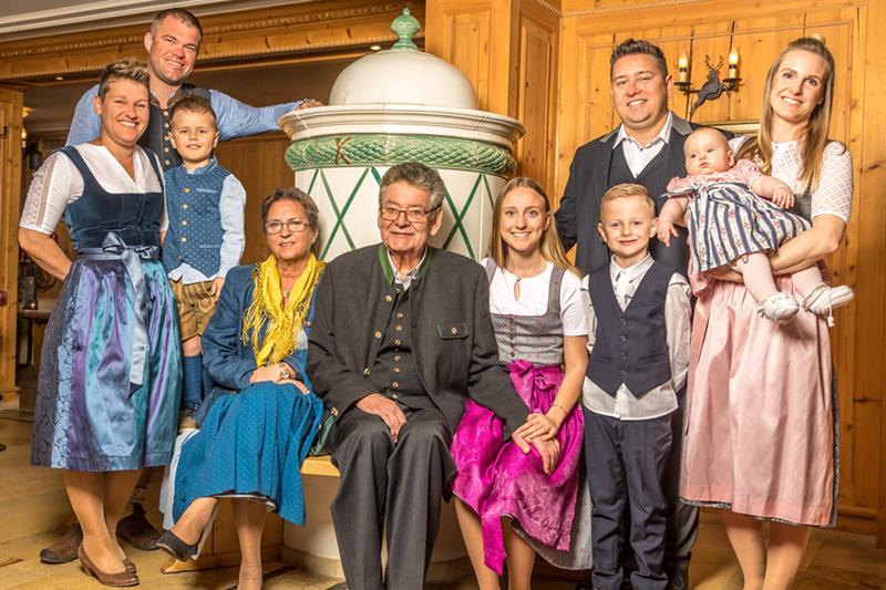 Die 3. Generation der Waschechten Pinzgauer mit Leidenschaft die Gastgeber Familie: Gassner