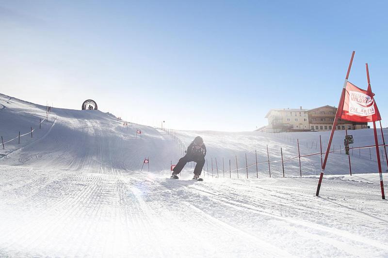Abenteuer gefällig? Es gibt spannende Aufgaben zu bewältigen wo Du dann Punkte sammeln kannst – von Höhenmeter Challenges, Photopoints, attraktive Skiabfahrten bis zur längsten beleuchteten Rodelbahn der Welt. Schaffst Du das? Es gibt nämlich Preise zu gewinnen!