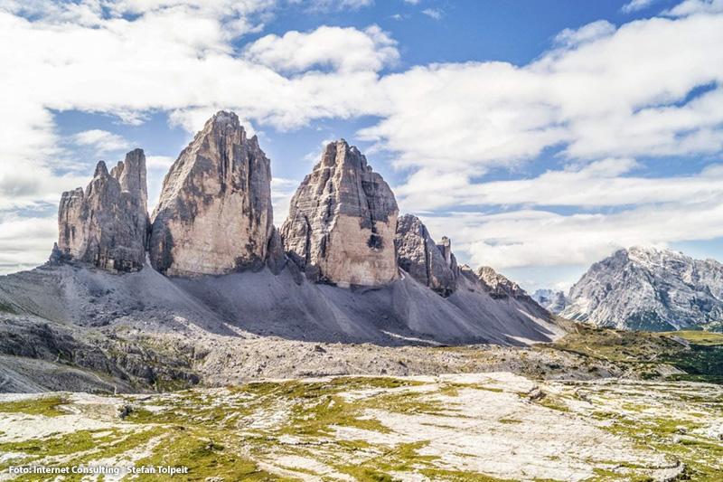 Die weltbekannten Drei Zinnen in den Sextner Dolomiten in Südtirol