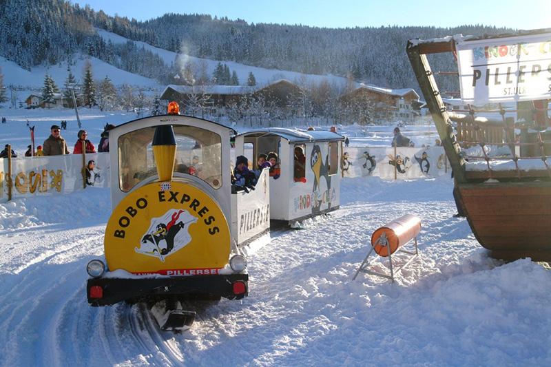Bobo's Kinder-Park - eine Fahrt mit dem Bobo Express ist für Kinder ein MUSS