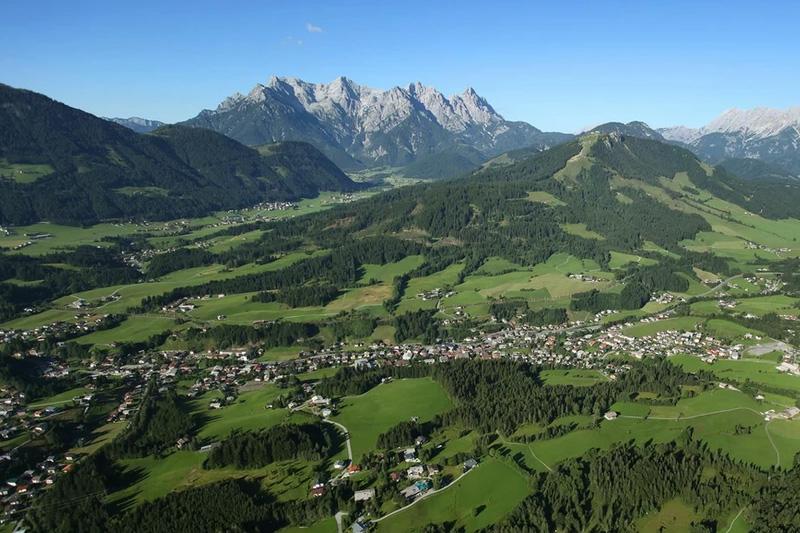 Das Kitzbüheler Horn, die Lofererer Steinberg und der Hausberg - die Buchensteinwand - alles in der Nähe von der Pension Kapeller